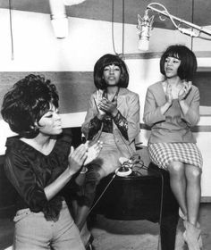 The Supremes L-R Diana Ross, Mary Wilson and Florence Ballard rehearsing in the Motown studios in Detroit, Michigan. Music Icon, Soul Music, My Music, Music Songs, Diana Ross, Detroit News, Detroit Michigan, Detroit History, Mary Wilson