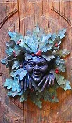 .I find little faces like this creep me out, though I do appreciate the talent of the maker.
