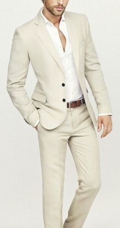 The suit jacket is the highlight of your suit and the final look entirely depends on the perfection of the jacket. Here is how you can ensure you do this right!