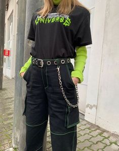 Women's Dresses – Utility-Jeanshose mit Neonstich - 2019 Mode Edgy Outfits, Mode Outfits, Retro Outfits, Cute Casual Outfits, Vintage Outfits, Neon Outfits, Hipster Outfits, Vintage Clothing, Aesthetic Grunge Outfit