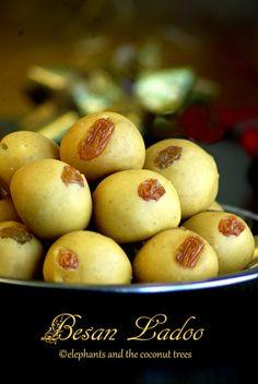 Besan Ladoo / Kadala maavu laddu / Chickpeas ladoo / Easy Diwali Sweet  .   .   .  #glutenfree #Diwalisweets