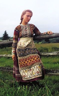 Russian traditional costume of a young girl from Vologda Province, early 20th century