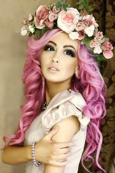 Oh wow I love her hair, makeup, and outfit! Pastel Hair, Pink Hair, Hair Addiction, Fantasy Hair, Dye My Hair, Rainbow Hair, Hair Art, Pretty Hairstyles, Hair Goals