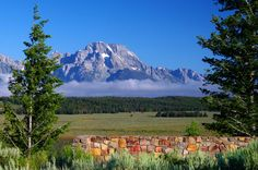 Mt. Moran, Grand Teton National Park Us National Parks, Grand Teton National Park, Yellowstone National Park, What A Beautiful World, Beautiful Places, Hiking Usa, Places Ive Been, Places To Visit, Teton Mountains