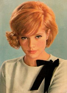 Creative Vintage, Sylvie, Vartan, and Photography image ideas & inspiration on Designspiration Estilo Twiggy, Rock And Roll Girl, New Haircuts, Vintage Hairstyles, 1960 Hairstyles, Vintage Beauty, Vintage Fashion, Vintage Style, Big Hair