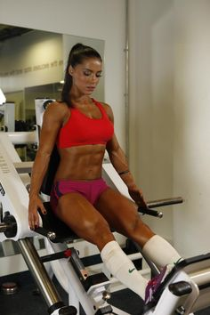 This site is a community effort to recognize the hard work of female athletes, fitness models, and bodybuilders. Crossfit, Chico Fitness, Fitness Motivation Pictures, Gym Motivation, Bikini Competitor, Healthy Women, Gym Girls, Fit Chicks, Weight Loss For Women