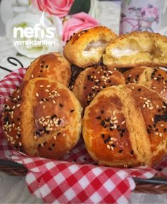 Tereyağlı Mısır Unlu Kıyır Kıyır Poğaça Snacks, Pretzel Bites, Hamburger, Muffin, Food And Drink, Breakfast, Ali Baba, Lettuce Recipes, Brot