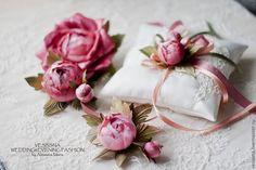 """Свадебный комплект . Цветы из шелка. """"Розовый сон"""" - свадебный пояс,к свадебному платью"""