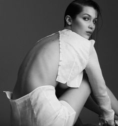 vogue-at-heart: Bella Hadid inBella Es La Joya for Harpers...