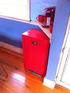 24 best red kitchen trash cans images on pinterest kitchen trash rh pinterest com red metal kitchen trash can red plastic kitchen trash can
