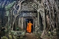 Angkor Wat, Cambodia - from BBC's Human Planet, photos by Timothy Allen