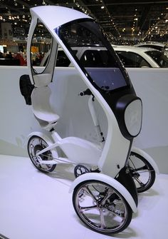 What You Need In Motorcycle Sunglasses Electric Tricycle, Electric Cars, E Quad, Bike Motor, Velo Retro, E Mobility, Reverse Trike, E Scooter, Cargo Bike