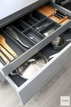 Learn more about Made In, the kitchen cookware used in multiple Michelin-starred restaurants. At the core of their brand is a deep commitment to craft and heritage. Kitchen Drawer Organization, Kitchen Storage Solutions, Kitchen Cabinet Design, Kitchen Designs, Organization Ideas, Kitchen Spotlights, Order Kitchen, European Kitchens, German Kitchen