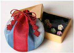 Korean Crafts, Potli Bags, Frame Purse, Dice Bag, Denim Crafts, Vogue Korea, Korean Art, Korean Traditional, Fabric Art