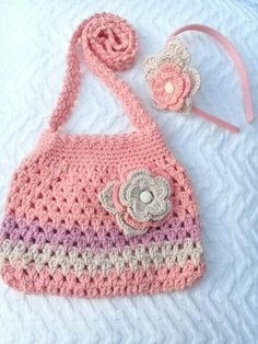 Beautiful Crochet Kids Handbags||Crochet baby Handbags Ideas Crochet Coin Purse, Crochet Cord, Crochet Cushions, Crochet Purses, Cute Crochet, Crochet For Kids, Beautiful Crochet, Crochet Designs, Crochet Patterns