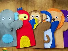 hand puppets - great for a baby gift! Make them in bath-fabric to use as a washing cloth hand puppets - great for a baby gift! Make them in bath-fabric to use as a washing cloth Felt Puppets, Puppets For Kids, Glove Puppets, Sewing For Kids, Diy For Kids, Crafts For Kids, Projects For Kids, Craft Projects, Sewing Projects