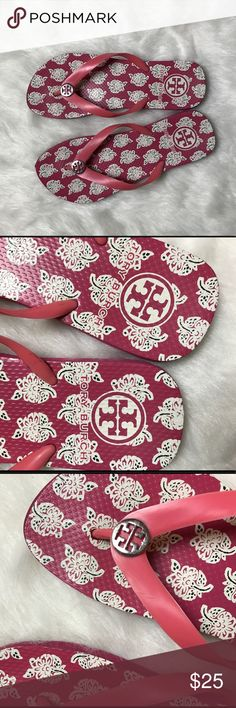 Tory Burch Pink Flip Flop Sandal Size 8 Pre-owned Tory Burch pink and white patterned flip flop sandals. Small mark on inside of sandals strap but not noticeable when worn, bottoms are a bit worn, but still in good condition! Women's sir 8. Tory Burch Shoes Sandals