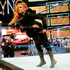 Photos: Becky brings straight fire to her heated battle with Ms. Wrestling Divas, Women's Wrestling, Female Wrestlers, Wwe Wrestlers, Becky Wwe, Rebecca Quin, Wwe Girls, Raw Women's Champion, Becky Lynch