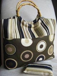 bags to make :) http://www.skiptomylou.org/2012/09/21/six-tote-bags-to-make/