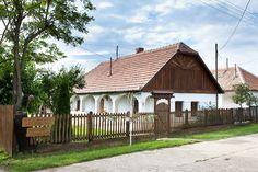 biobabolna.hu Traditional House, How Beautiful, Homeland, Hungary, Countryside, Palace, Farmhouse, Houses, House Styles