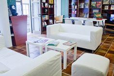 La Isla Lounge. C/Imeldo Serís, 75.  www.laislalibros.com