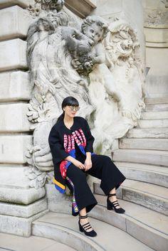 Laura Comolli streetstyle Paris Fashion Week indossa total look Stella Jean e scarpe Deichmann - Tendenza cappotti 2016: il cappotto in stile etnico TOTAL LOOK: Stella Jean via Tozzi Bologna SCARPE – SHOES: Deichmann