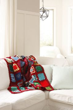 Adorable colorful knitted blanket by HeyOyster on Etsy, $38.00