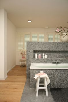Bathroom grey and soft pink Decor, House Design, Modern Furniture, Home, Decor Design, New Homes, Modern Bathroom, Bathroom, Bathroom Design
