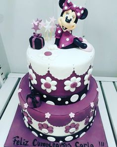 It really bugs me that Minnie Mouse is purple...Anyone else or is it just my eyes?