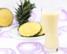 Pineapple Natural Juice Fresh Juice Recipes, Cold Press Juicer, Fruit Ice Cream, Sour Taste, Plant Based Milk, Pineapple Juice, Summer Drinks, Vitamin C, Fruits And Vegetables