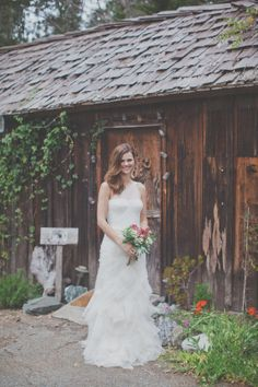 Big Sur Wedding {Point 16} by Evynn LeValley Photography // Flowers by Kate of Big Sur Flowers