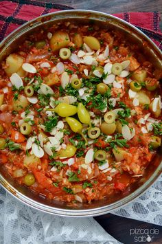 Cómo hacer bacalao a la Vizcaína Fish Recipes, Seafood Recipes, Mexican Food Recipes, Cooking Recipes, Healthy Recipes, Easy Cooking, Recipies, Seafood Dishes, Fish And Seafood