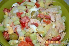 Lee una receta detallada y sencilla, con muchas fotografías del paso a paso, para preparar ensalada murciana de manera rápida, fácil y rica.