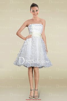 Refreshing Knee-length Strapless A-line Bridal Dress in Lace