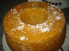 Pré-aqueça o forno a 180º. Coloque no copo o limão inteiro e programe 15 Seg/Vel 9. Junte os açúcares, o óleo, o iogurte, os ovos, o côco e programe 2min/3