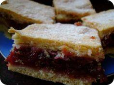 Illatos szilvás pite recept fotója Dessert Recipes, Dinner Recipes, Sandwiches, Food And Drink, Sweets, Meals, Cooking, Erika, Diy