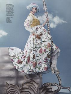 """Ahn Song Sohee : """"Once Upon a Time"""": So-Hee Song in High Fashion and Traditional Korean Costume (Hanbok) by Hyea-Won Kang for Vogue Korea June 2014 Fashion Week, Fashion Art, Editorial Fashion, High Fashion, Fashion Outfits, Fashion Design, Korean Hanbok, Korean Dress, Haute Couture Style"""