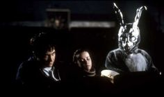 Donnie Darko By Richard Kelly, with Jake Gyllenhaal, Jena Malone and Mary McDonnell. -- Sci-fi film about time travel paradoxes. Good cast and soundtrack. Scary Movie Mask, Scary Mask, Scary Movies, Good Movies, Awesome Movies, Cult Movies, Jake Gyllenhaal, Jena Malone, Netflix Horror