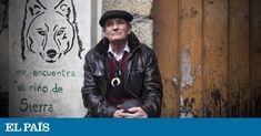Marcos Rodríguez Pantoja, criado solo entre animales durante 12 años, vive a los 71 en un pueblo de Ourense. Una ONG recauda fondos para comprarle una caldera