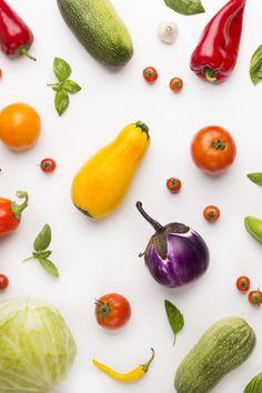 Inutile de le nier : nous avons tendance à manger plus que de raison pendant les repas car la satiété tarde à pointer le bout de son nez. 😋 Pour en finir avec l'appétit d'ogre qui ne passe pas, découvrez les aliments qui permettent d'être rassasié ! 🍏🥖🍚 #healthylifestyle #healthyfood #diététique #alimentationsaine #pertedepoids #minceur #nutrition #santé Nutrition, Stuffed Peppers, Vegetables, Food, Meal, Eat, Healthy Nutrition, Stuffed Pepper, Essen