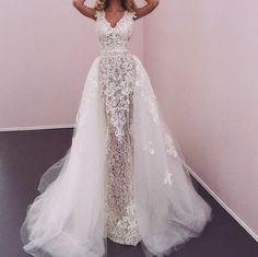 Beautiful wedding dress and detachable bridal skirt