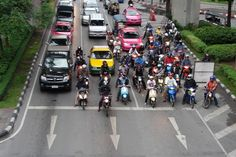 In Thailand maak je iedere dag wel wat nieuws mee. Dat hoor je vaak en is ook zo. Mij overkwam het volgende: een scam tijdens autorijden in Bangkok.