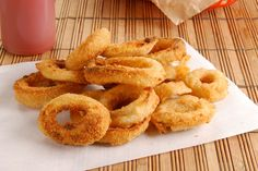Baked Onion Rings made with low-fat milk and whole grain breadcrumbs! A healthy remake of a classic favorite - only 111 calories per serving! #snacks #sides #healthy #recipes #skinnyms