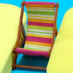 Perfect for any summer-themed cake, we love this 3-D Deck Chair project from JEM! http://www.globalsugarart.com/deck-chair-set-of-by-jem-p-21853.html