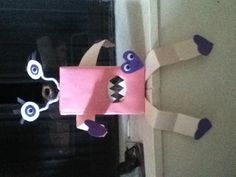 Valentines box for school. Easy to make all you need is: construction paper , shoe box,  pipe cleaners,and craft eyes.