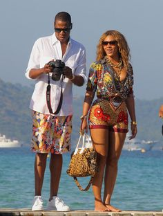 Style. Beyonce & Jay-z Vacation. Ibiza Outfits, Beyonce Style, Beyonce And Jay Z, Beyonce Family, Destiny's Child, Gi Joe, Rihanna, King B, Blue Ivy Carter