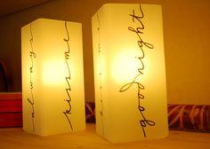 Lampade per la camera da letto con la luce accesa