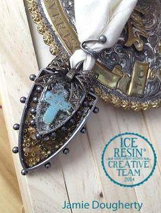 layered bezel ice resin jewelry piece by Jamie Doughtery @jaylynnscraps