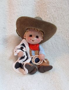 *POLYMER CLAY ~ cowboy birthday cake topper decoration Christmas ornament personalized polymer clay baby So cute! Polymer Clay People, Polymer Clay Figures, Cute Polymer Clay, Polymer Clay Dolls, Polymer Clay Projects, Polymer Clay Creations, Fondant Figures, Cowboy Birthday Cakes, Birthday Cake Toppers