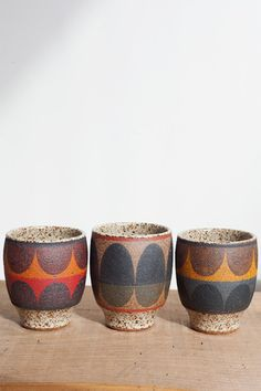 Best Ceramics Tips : – Picture : – Description Kat & Roger Round Painted Cup -Read More – Ceramic Plates, Ceramic Pottery, Ceramic Art, Earthenware, Stoneware, Keramik Design, Painted Cups, Terracotta, Decorative Bowls